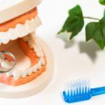 痛みをほとんど感じずに症状が進行する歯周病