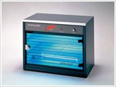 外科器具専用の殺菌線消毒保管庫